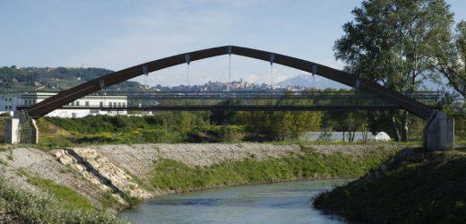 Pescara: chiuse le golene per il livello del fiume