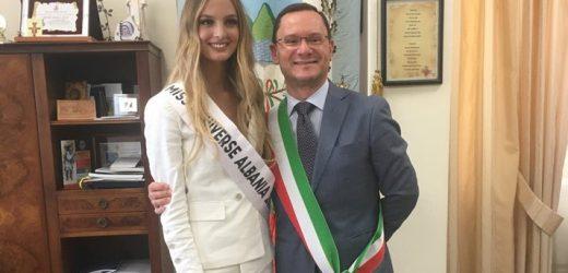 Roseto incontra la bellezza per dare il benvenuto a Miss Albania