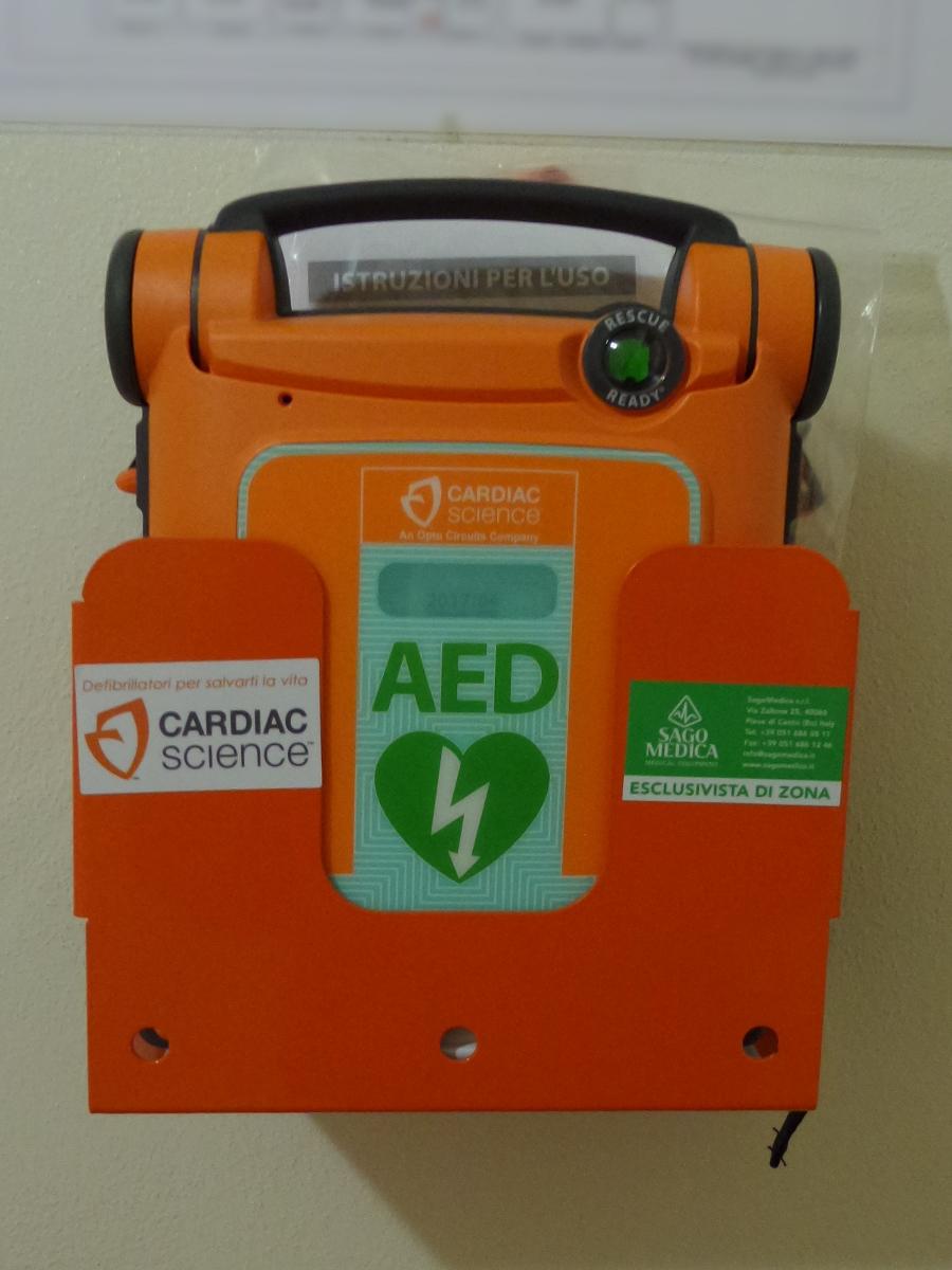 """Defibrillatori in donazione al Comune dall'associazione """"Il Sogno di Iaia"""""""