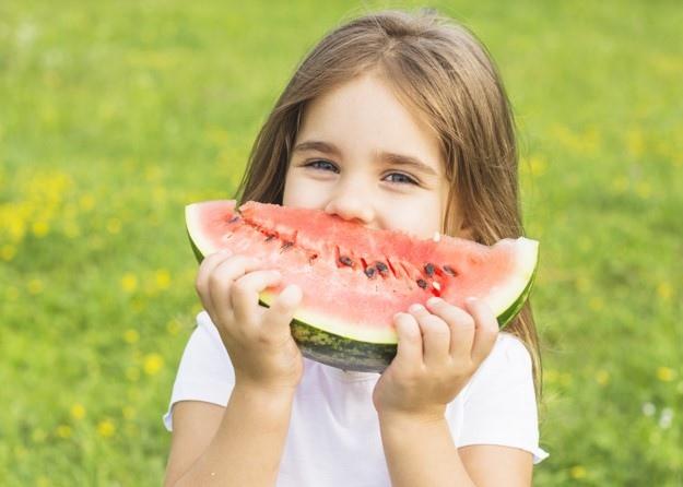 Ecco cosa accade a chi mangia l'anguria con regolarità
