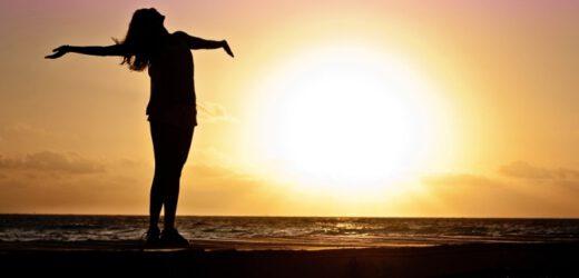 Bagno di sole: tutti i benefici di una pratica antichissima