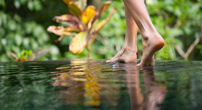 Il barefoot fa bene? Chi lo ha provato a Roseto non ha dubbi